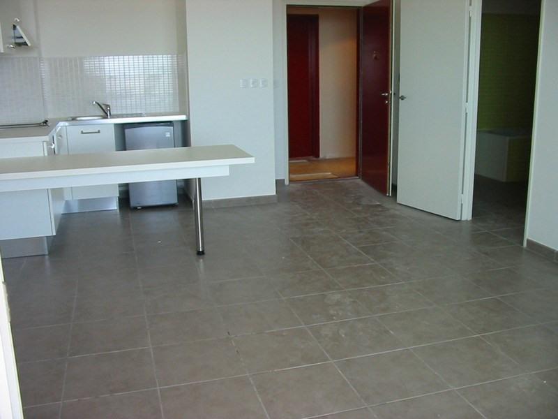 Location appartement St denis 670€ CC - Photo 3