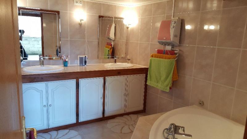 Vente maison / villa Eyguieres 257000€ - Photo 6