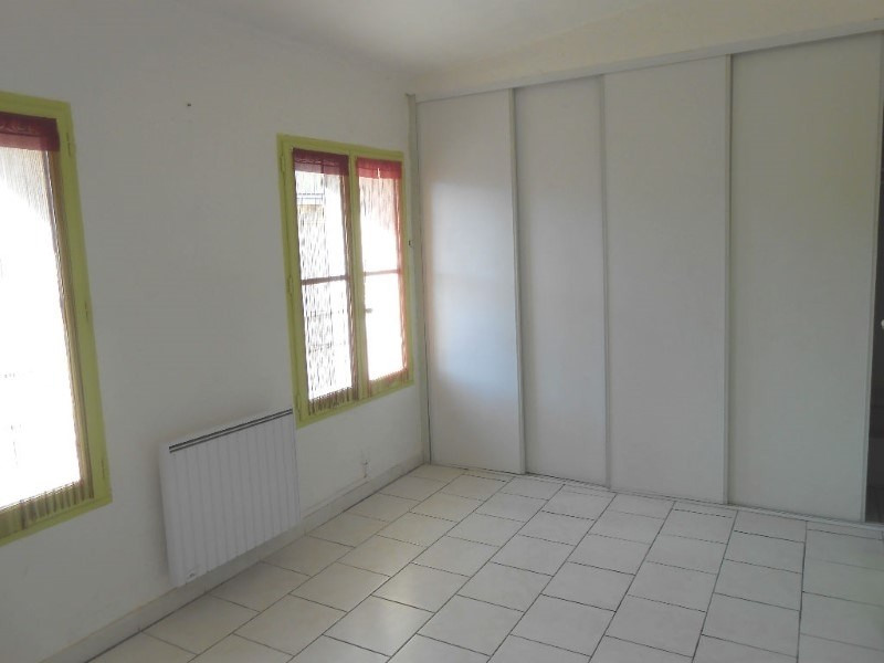 Location appartement Saint mitres les remparts 630€ CC - Photo 2