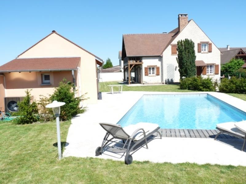 Sale house / villa Vernouillet 690 000€ - Picture 1