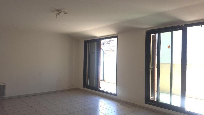 Location appartement Trets 831€ CC - Photo 1