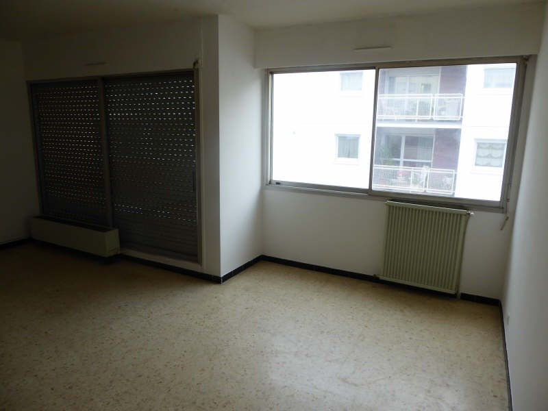 Location appartement Nimes 481€ CC - Photo 1