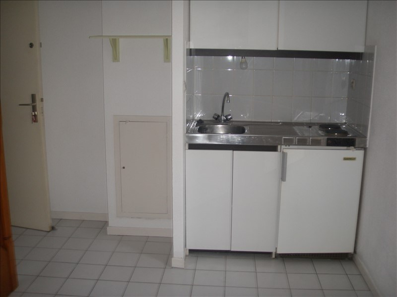 Location appartement Port vendres 419€ CC - Photo 2