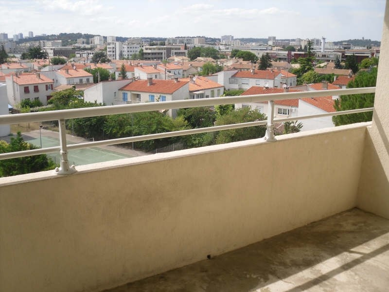 Location appartement Nimes 415€ CC - Photo 1