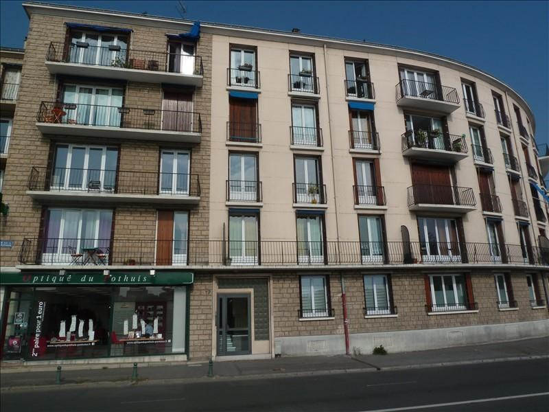 Rental apartment Pontoise 974€ CC - Picture 1