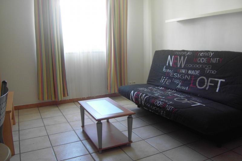 Location appartement St denis 460€ CC - Photo 1