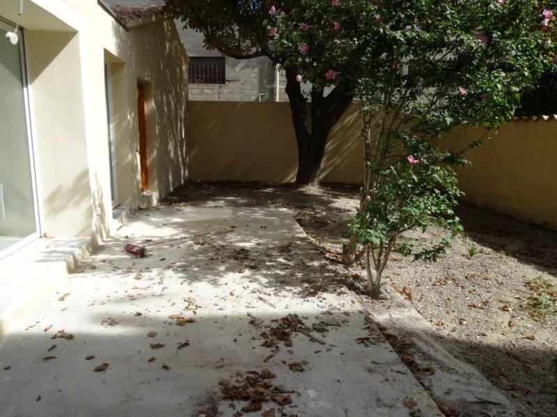 Location maison / villa Avignon 1020€ CC - Photo 5