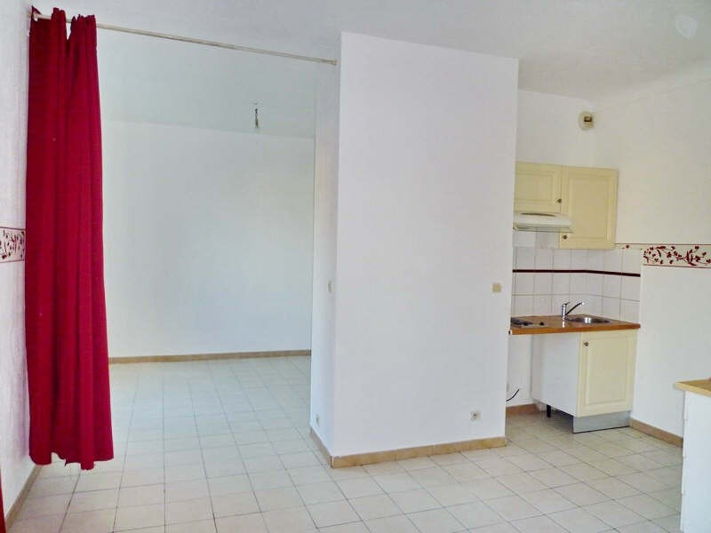 Rental apartment Nice 485€+ch - Picture 1
