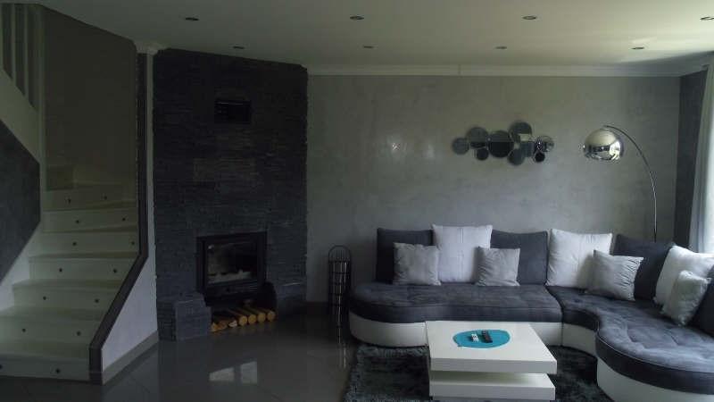 Sale house / villa Lesigny 290000€ - Picture 1