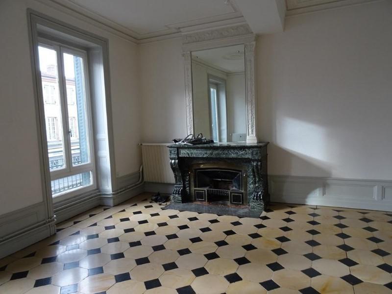 Location appartement Le coteau 685€ CC - Photo 1