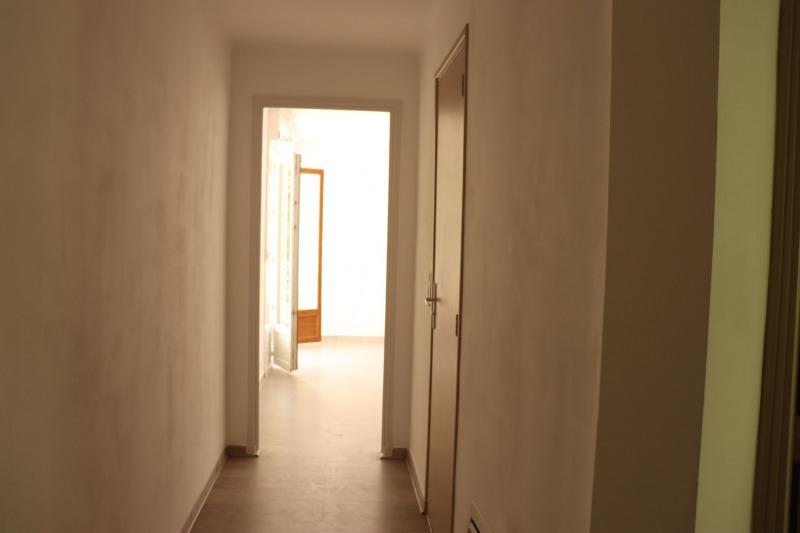 Location appartement Cavalaire sur mer 664€ CC - Photo 7