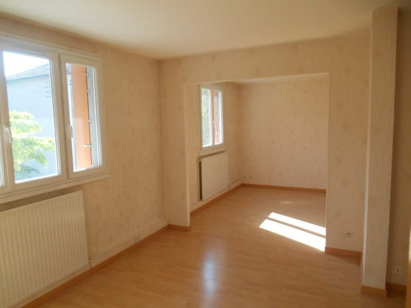 Rental apartment Verrieres le buisson 1 100€ CC - Picture 2