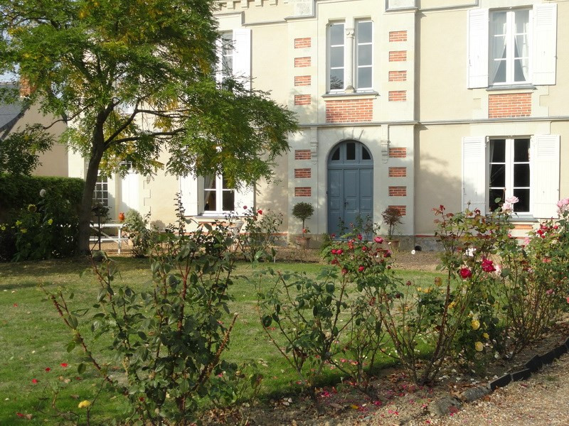 Deluxe sale house / villa Angers nord 35 mn 477000€ - Picture 2