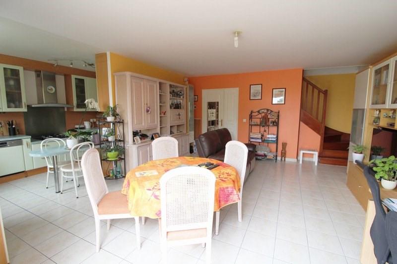 Sale house / villa Maurepas 367500€ - Picture 2