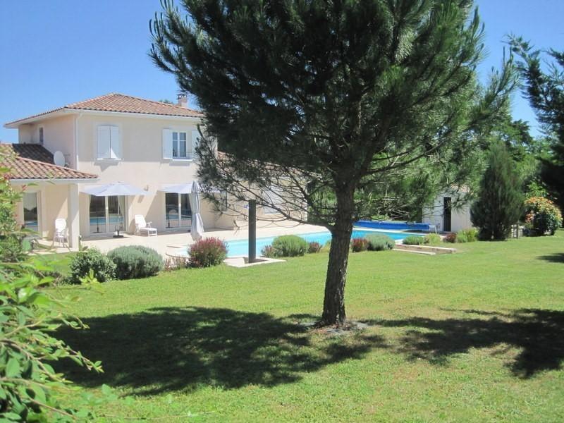 Sale house / villa Petit palais et cornemps 335000€ - Picture 1