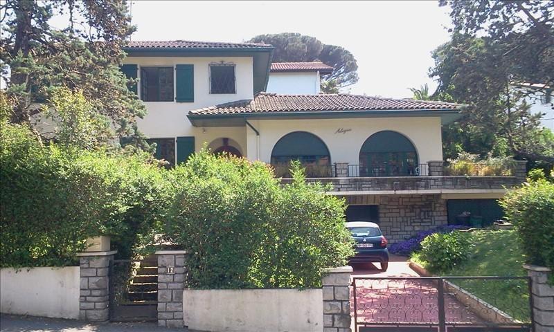 Deluxe sale house / villa Hendaye 585000€ - Picture 1