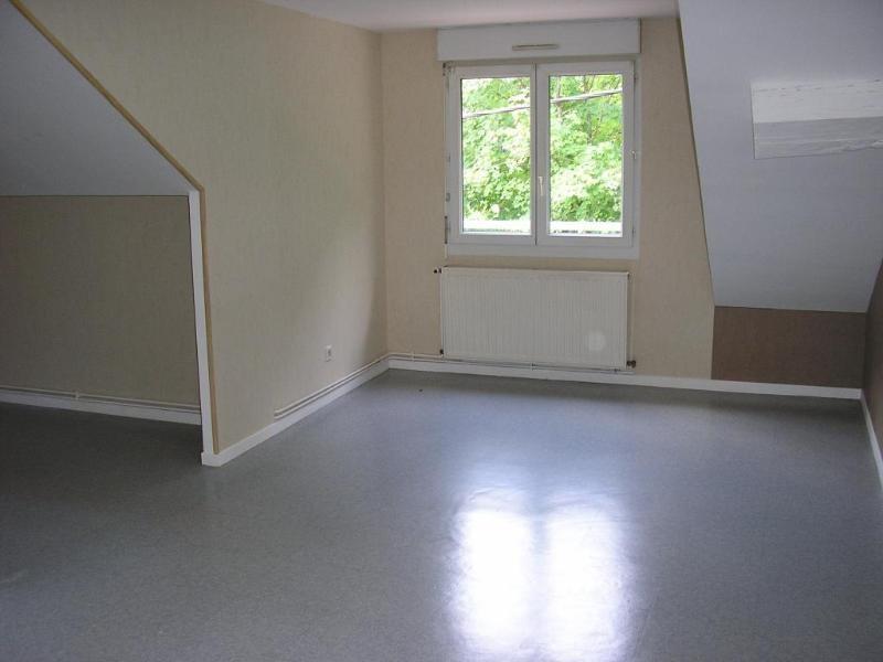 Rental apartment Montreal la cluse 461€ CC - Picture 3