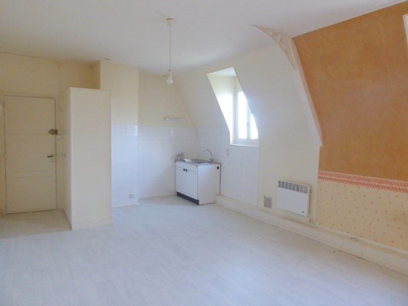Location appartement Lisieux 360€ CC - Photo 1