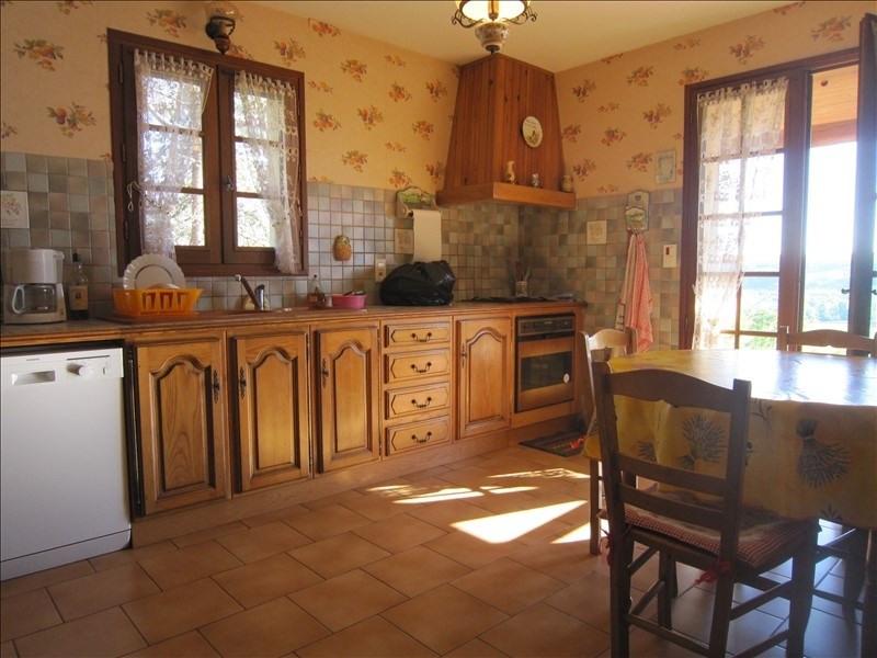 Sale house / villa Bezenac 201400€ - Picture 4