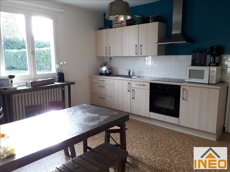 Location maison / villa Montreuil le gast 825€ CC - Photo 4