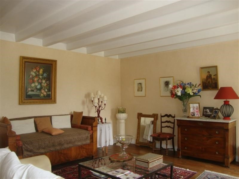 Sale house / villa Loulay 254400€ - Picture 12