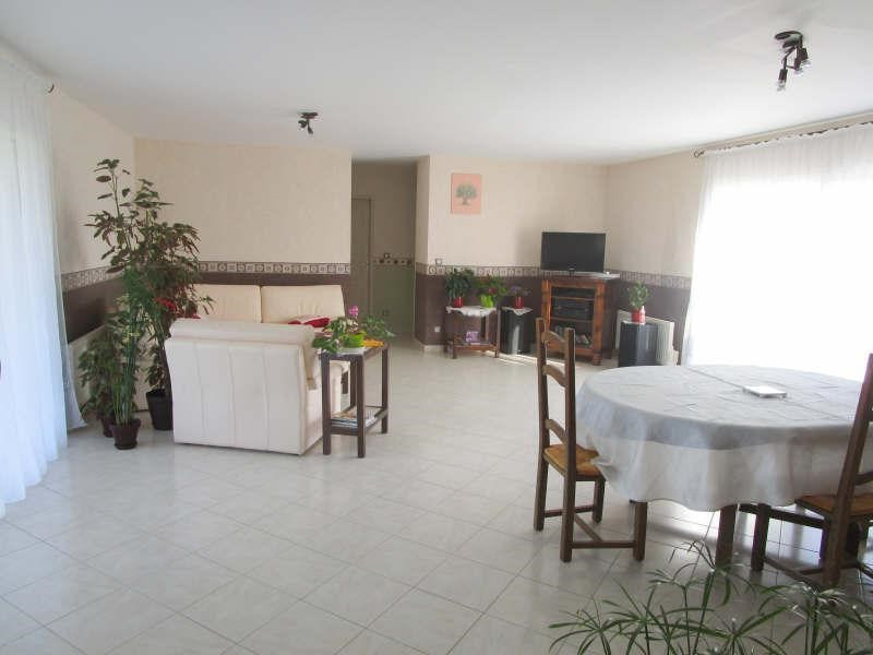 Sale house / villa Matha 179 350€ - Picture 2