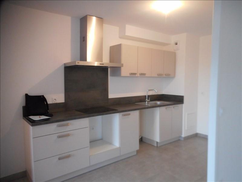 Rental apartment Voiron 821€ CC - Picture 2