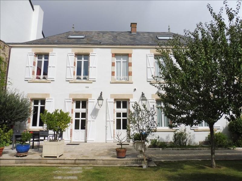 Deluxe sale house / villa La roche sur yon 630000€ - Picture 1
