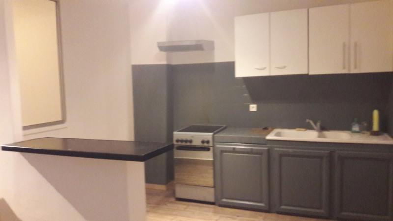 Location appartement Le beausset 650€ CC - Photo 1