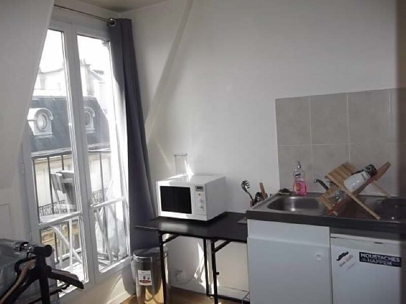 Rental apartment Paris 8ème 760€ CC - Picture 2