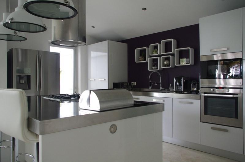 Deluxe sale house / villa St gilles les bains 898000€ - Picture 4
