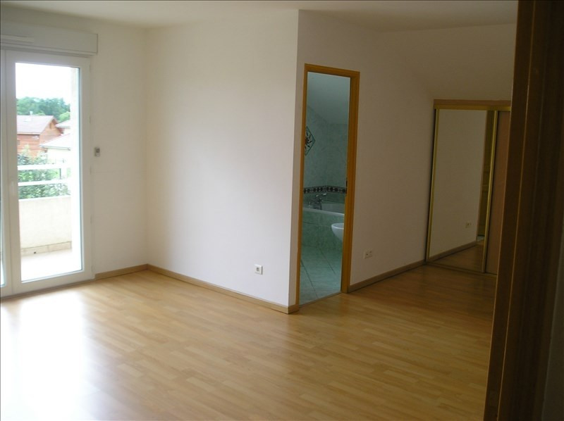 Location maison / villa Sergy 2 700€ CC - Photo 4