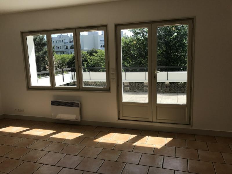 Rental apartment Garches 1720€ CC - Picture 1