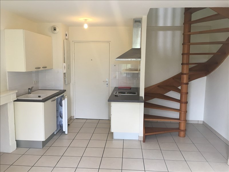 Location appartement Poitiers 402€ CC - Photo 1