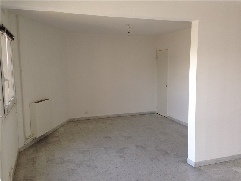 Sale apartment Salon de provence 125 000€ - Picture 3