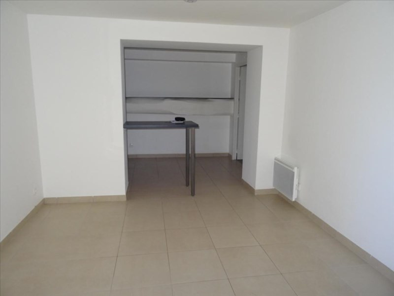 Rental apartment Neuilly en thelle 720€ CC - Picture 3