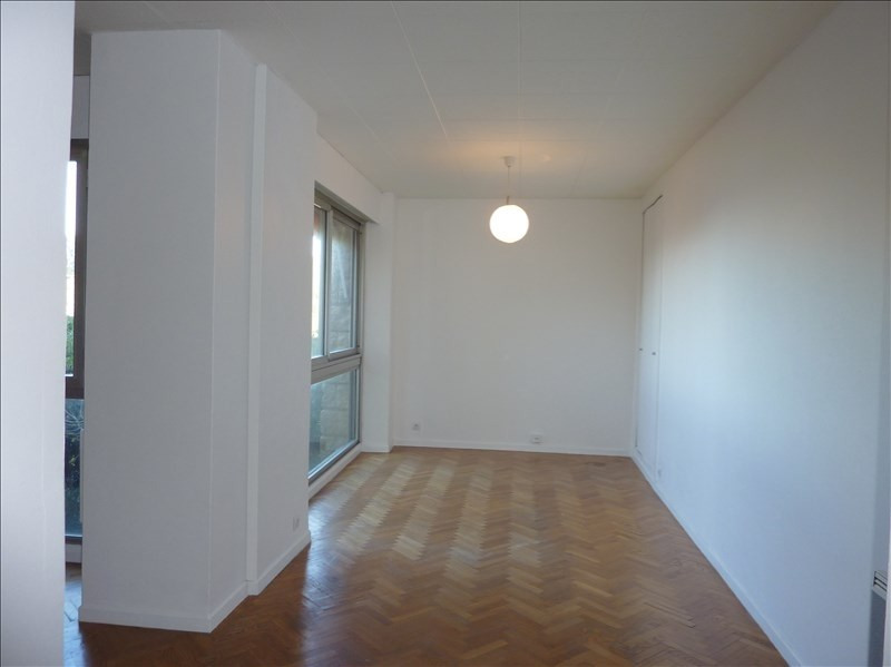 Location appartement Marseille 7ème 850€ CC - Photo 2