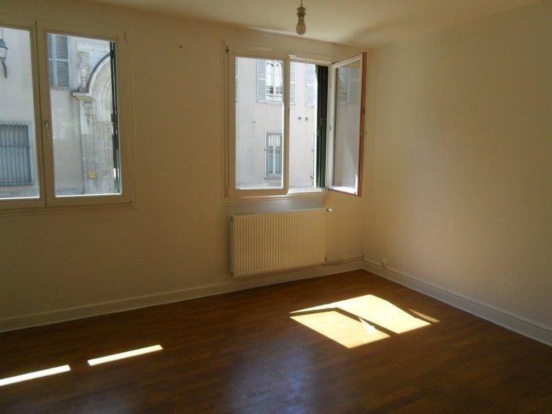 Location appartement Troyes 475€ CC - Photo 2