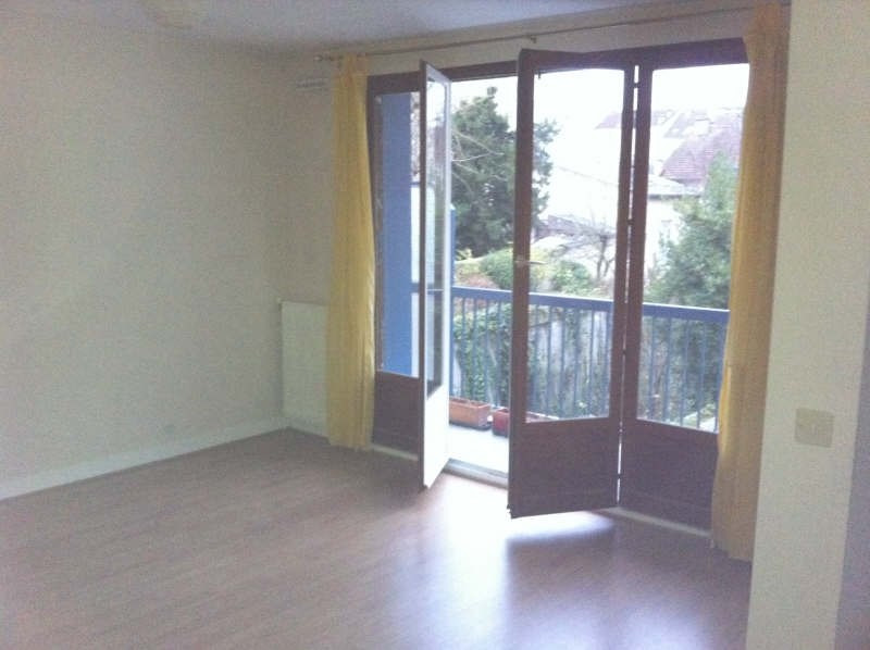 Rental apartment St germain en laye 800€ CC - Picture 1
