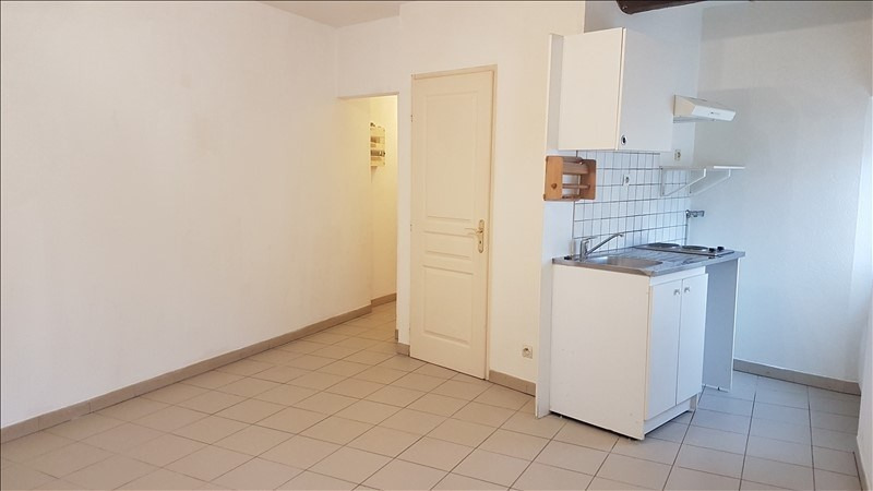 Location appartement Lancon provence 535€ CC - Photo 1