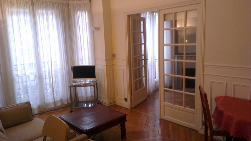 Rental apartment Paris 17ème 1 200€ CC - Picture 1