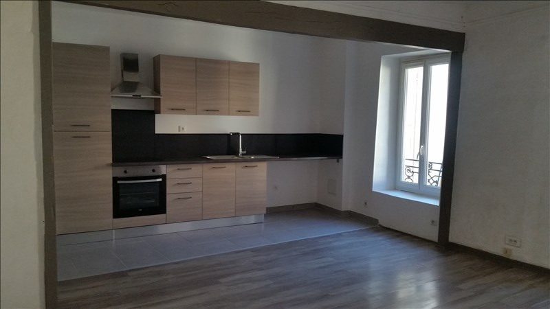 Rental apartment Bouc bel air 800€ CC - Picture 1
