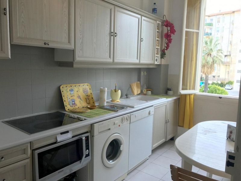 Sale apartment Nice 390000€ - Picture 3