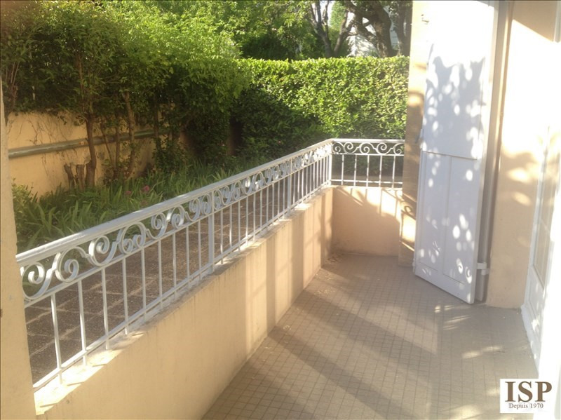 Rental apartment Aix en provence 1 380€ CC - Picture 1
