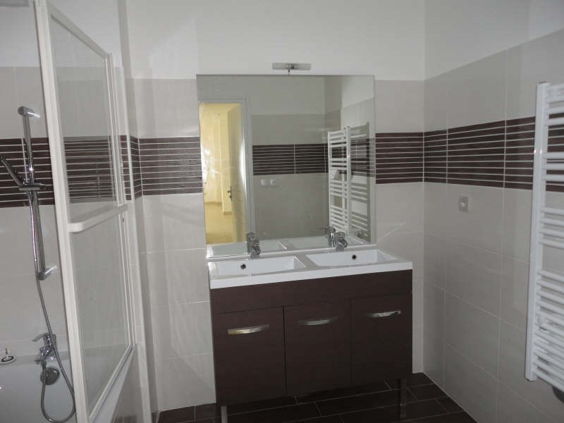 Location appartement Toulon 928€ CC - Photo 4