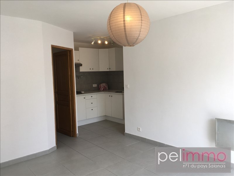 Rental apartment Pelissanne 441€ CC - Picture 1
