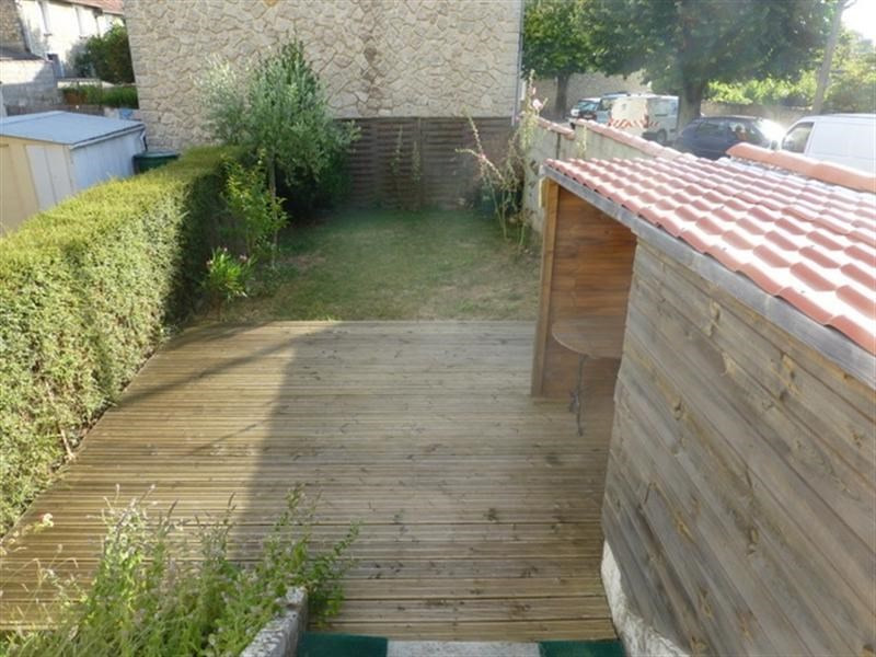 Rental house / villa Saint-jean-d'angely 545€ CC - Picture 6