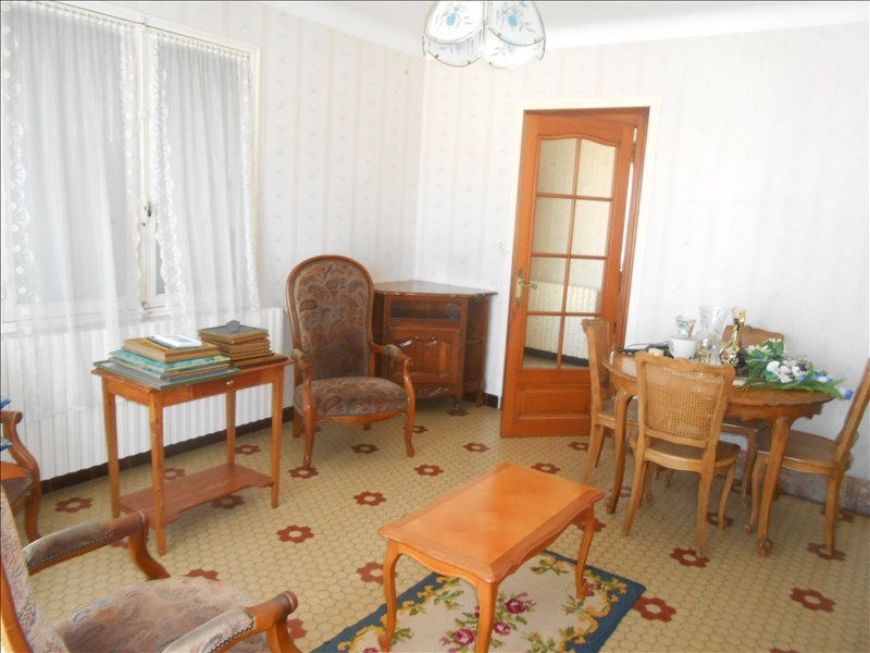 Sale house / villa St jean d angely 133 125€ - Picture 3
