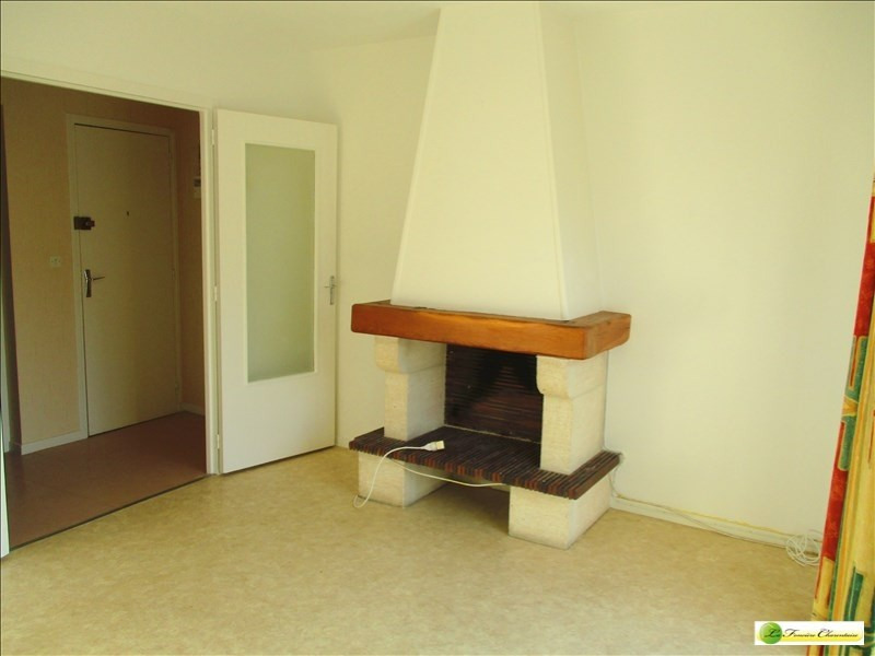Rental apartment Angouleme 295€ CC - Picture 1