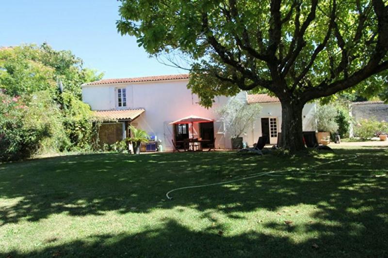 Deluxe sale house / villa Perigny 699000€ - Picture 1